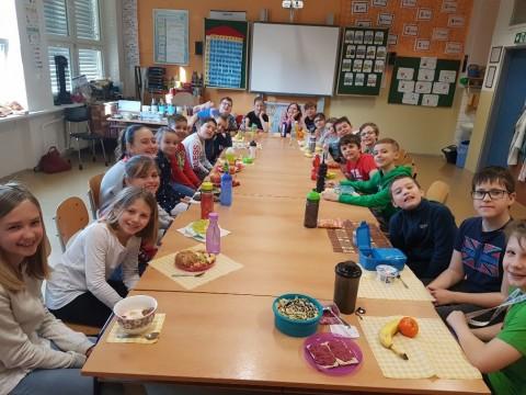 Projektový den Hrdá škola - Den zdraví - společná snídaně