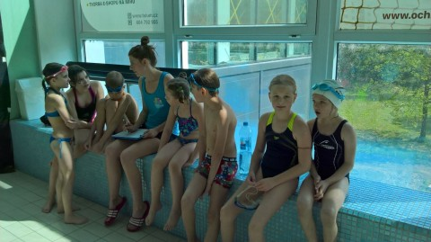 Zahájili jsme kurz plavání - 2. B