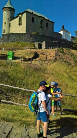 2. B - na Kunětické hoře nás zajímala historie hradu i geologické složení