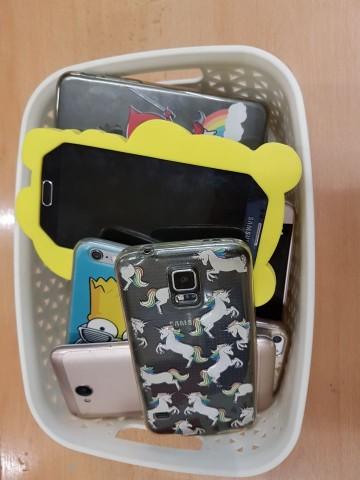 Den bez mobilu ve 4.B