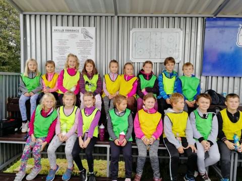 """Hokejbalový turnaj """"O pohár ředitelky školy"""" – 3. A"""