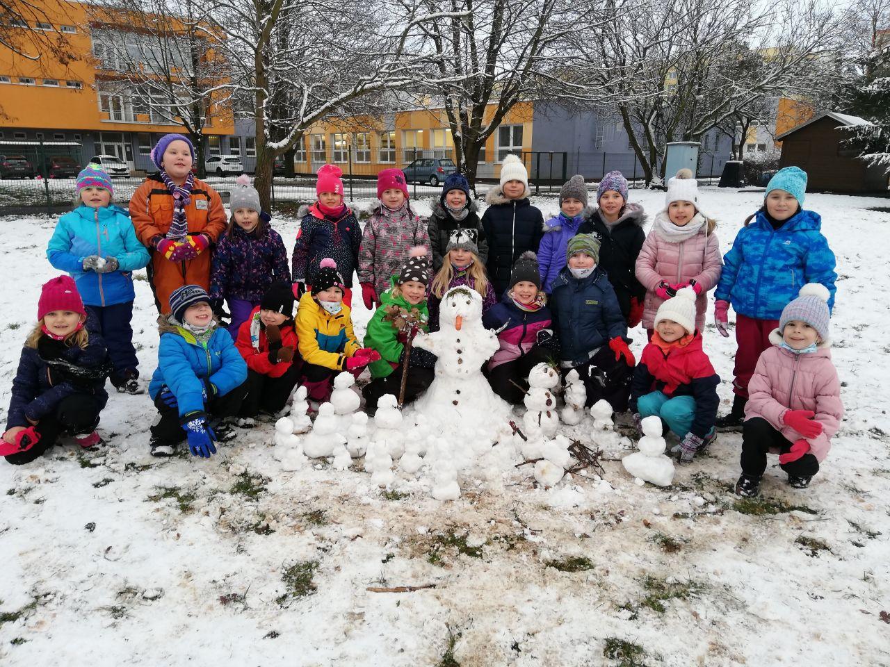 1.A - Sněhuláci  a psaní perem
